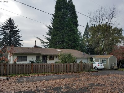 Milwaukie Single Family Home For Sale: 1938 SE Sunny Slope Rd