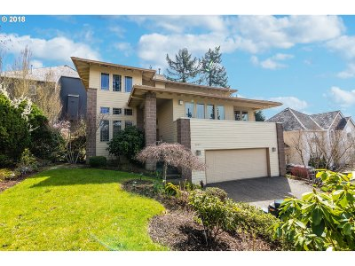 Portland Single Family Home For Sale: 8432 NW Hawkins Blvd