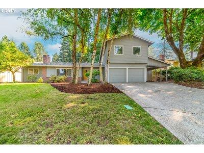Eugene Single Family Home For Sale: 1545 Russet Dr
