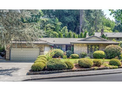 Tualatin Single Family Home For Sale: 10405 SW Paulina Dr