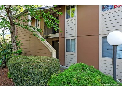 Portland Condo/Townhouse For Sale: 12620 NW Barnes Rd #3