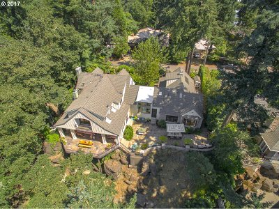 Lake Oswego Single Family Home For Sale: 612 Ridgeway Rd