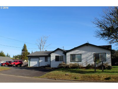 Coos Bay Single Family Home For Sale: 377 Laclair
