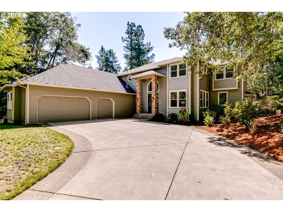 Eugene Single Family Home For Sale: 2923 Summit Terrace Dr