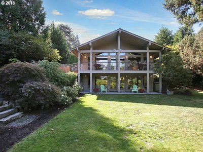 Lake Oswego Single Family Home For Sale: 1828 Egan Way