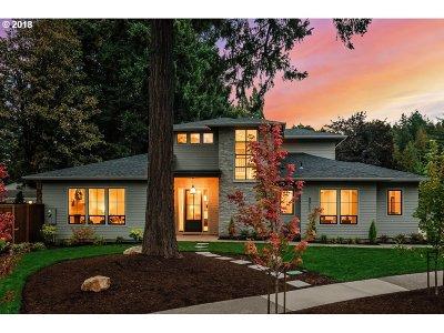 Lake Oswego Single Family Home For Sale: 3711 Wren St