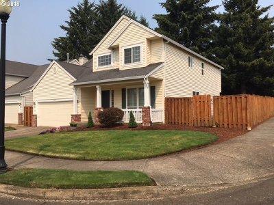 Clackamas Single Family Home For Sale: 14955 SE Paddington St