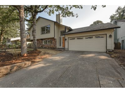 Single Family Home For Sale: 18130 Stonewood Dr