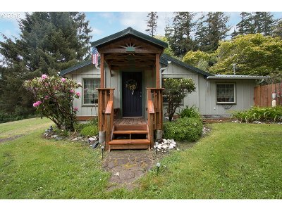 Gold Beach Single Family Home For Sale: 28081 Hunter Creek Rd