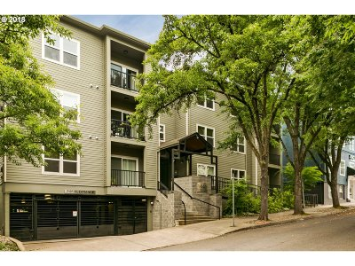 Condo/Townhouse For Sale: 1441 SW Clay St #108