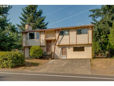 Oregon City Single Family Home For Sale: 19200 Clairmont Way