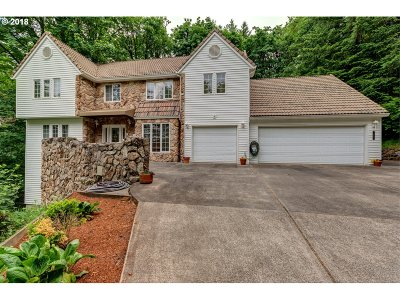 Clackamas County Single Family Home For Sale: 1450 Wisteria Rd