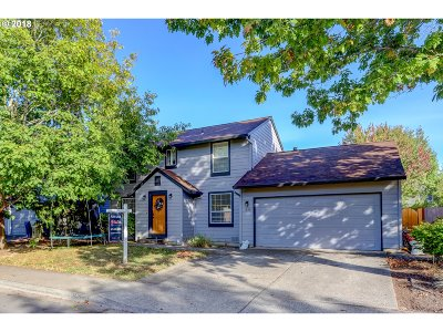 Beaverton Single Family Home For Sale: 1585 SW Cloverdale Way
