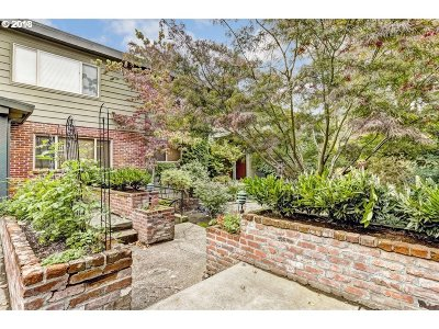 Condo/Townhouse For Sale: 908 SW Gaines St #20
