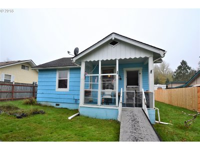 Cowlitz County Single Family Home For Sale: 213 Taylor St