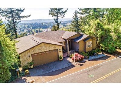 Portland Single Family Home For Sale: 2930 NE Rocky Butte Rd