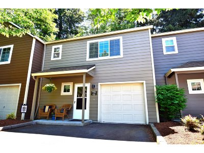 Tualatin Single Family Home For Sale: 7155 SW Sagert St #102