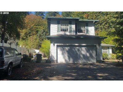 Lake Oswego Single Family Home For Sale: 38 Briarwood Rd