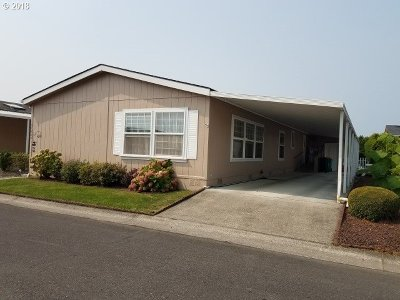 Scappoose Single Family Home For Sale: 51439 SE Westlake Dr
