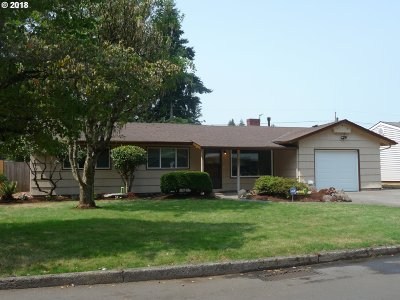 Portland Single Family Home For Sale: 905 SE 176th Pl