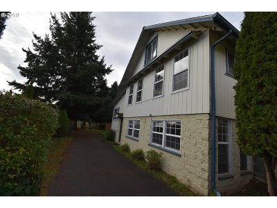 North Bend Single Family Home For Sale: 363 Exchange