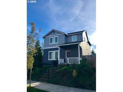 Clackamas Single Family Home For Sale: 16142 SE Kingbird Dr