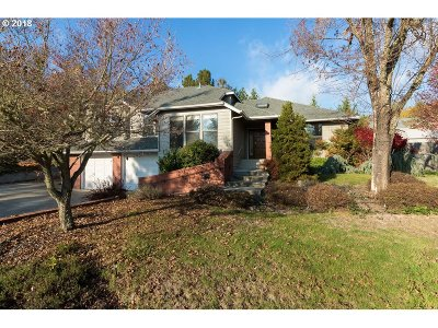 Roseburg Single Family Home For Sale: 2815 NW Kline St