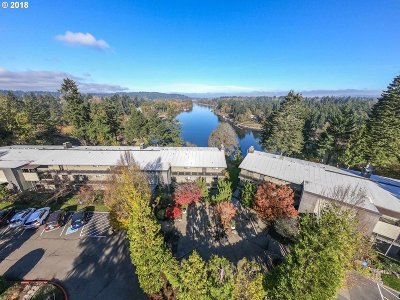 Lake Oswego Condo/Townhouse For Sale: 16200 Pacific Hwy #6
