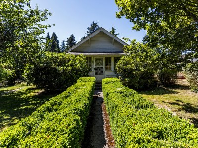 Lake Oswego Single Family Home For Sale: 698 6th St