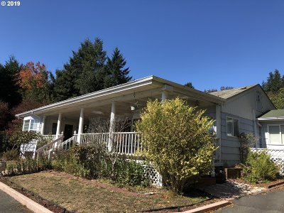 Brookings Single Family Home For Sale: 98011 Court St