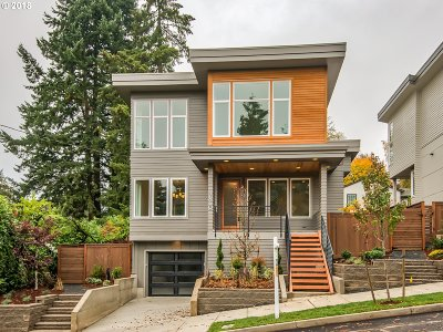 Portland Single Family Home Bumpable Buyer: 7660 SW 36th Ave