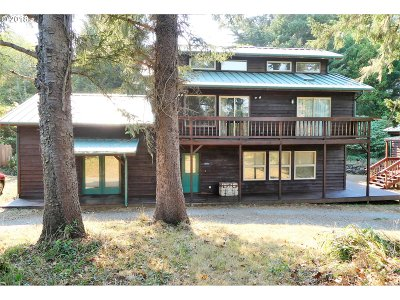 Gold Beach OR Single Family Home For Sale: $445,000