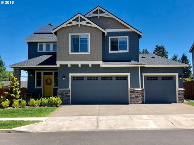 Tigard Single Family Home For Sale: 9753 SW Ashwood St