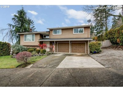 Gresham Single Family Home For Sale: 1647 SW Willow Pkwy