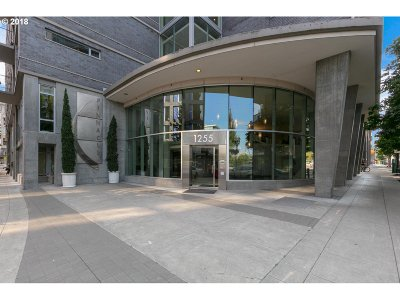 Portland Condo/Townhouse For Sale: 1255 NW 9th Ave #802