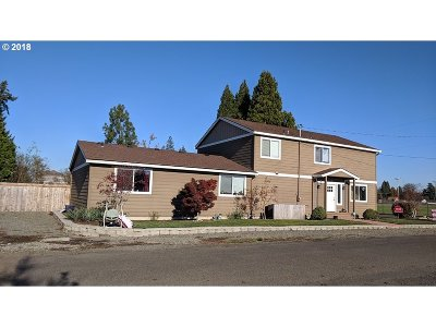 Molalla Single Family Home For Sale: 523 E 3rd St