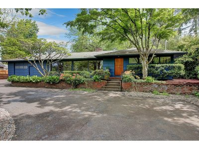 Milwaukie Single Family Home For Sale: 13730 SE Arista Dr