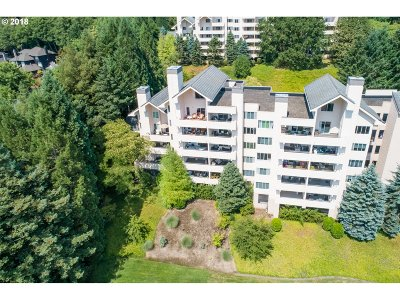 West Hills Condo/Townhouse For Sale: 6665 W Burnside Rd #456