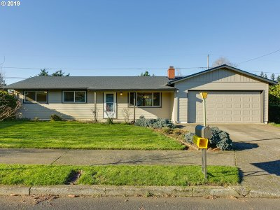 Portland Single Family Home For Sale: 2123 SE 153rd Ave