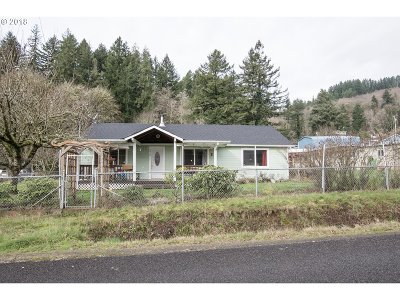 Mapleton Single Family Home Pending: 88164 Chestnut St