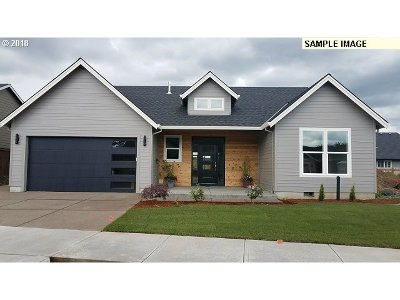 Canby Single Family Home For Sale: 1835 SE 10th Pl