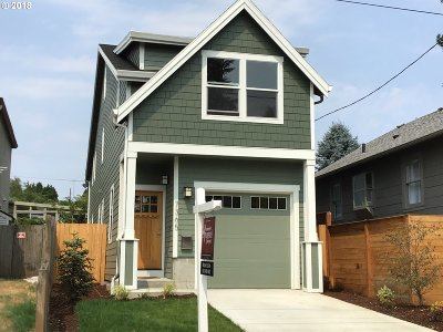 Portland Single Family Home For Sale: 7365 SE Harrison St
