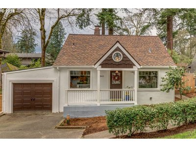 Lake Oswego Single Family Home For Sale: 16969 Alder Cir