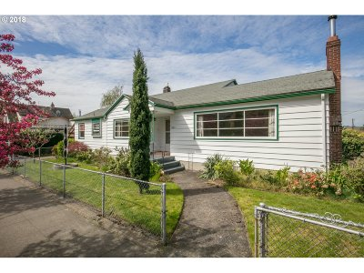 Portland Single Family Home For Sale: 3205 SE 28th Ave