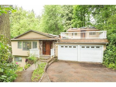 Clackamas County Single Family Home For Sale: 15651 SE River Rd