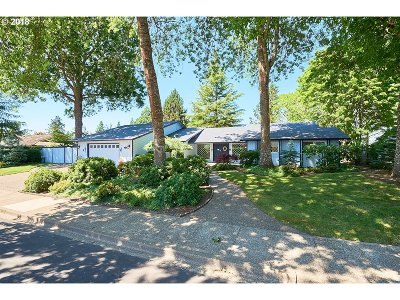 McMinnville Single Family Home For Sale: 2165 NW Saint Andrews Dr