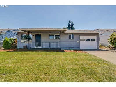 Woodburn Single Family Home For Sale: 2070 Santiam Dr