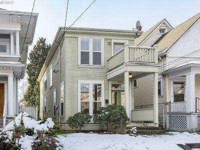 Portland Single Family Home For Sale: 606 NE Tillamook St