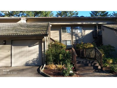 Tigard Condo/Townhouse For Sale: 14866 SW 109th Ave