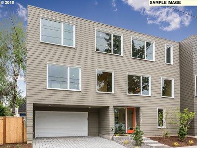 Portland Single Family Home For Sale: 1461 SE Lexington St